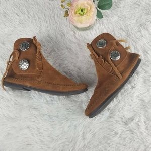 Minnetonka Womens Moccasin Brown Suede 2 Button Si
